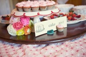 retro-vibe-babyshowercupcakes